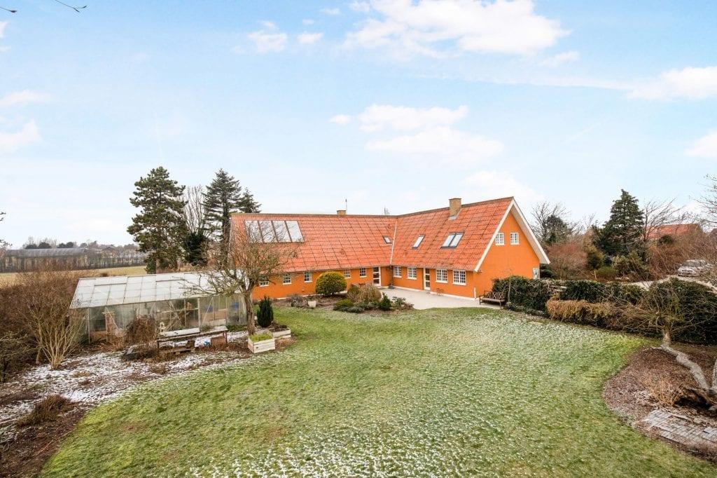 Stor bolig til salg i Høng